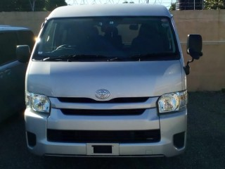 2016 Toyota Hiace       10 seater for sale in Kingston / St. Andrew, Jamaica