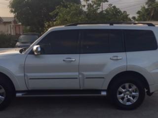 '16 Mitsubishi Pajero for sale in Jamaica