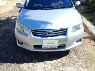 '09 Toyota Axio G for sale in Jamaica