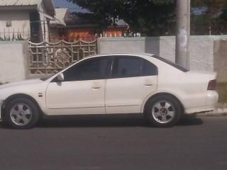 '00 Mitsubishi Gallant for sale in Jamaica
