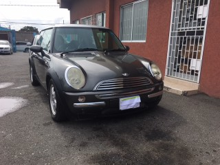 '06 Mini Cooper for sale in Jamaica