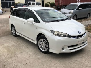 '09 Toyota Wish S for sale in Jamaica
