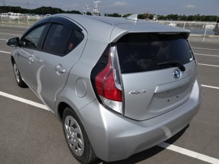 2016 Toyota Aqua Hybrid for sale in Kingston / St. Andrew, Jamaica