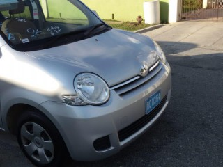 2013 Toyota Sienta for sale in Jamaica