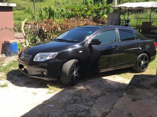 '07 Toyota Axio for sale in Jamaica