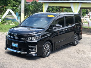 2014 Toyota Voxy for sale in Kingston / St. Andrew, Jamaica