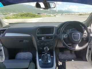 '12 Audi Q5 for sale in Jamaica