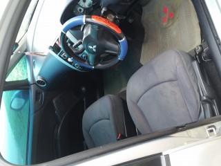'06 Mitsubishi Colt for sale in Jamaica
