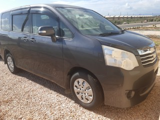 2012 Toyota Noah for sale in Kingston / St. Andrew, Jamaica