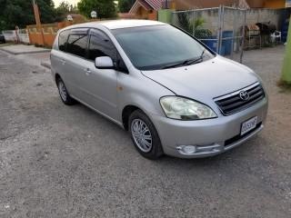 2002 Toyota Ipsum for sale in Kingston / St. Andrew, Jamaica