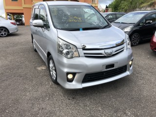 2011 Toyota Noah for sale in Manchester, Jamaica