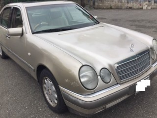 1998 Mercedes Benz E200 for sale in Kingston / St. Andrew, Jamaica