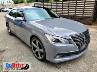 2013 Toyota Crown royal saloon for sale in Kingston / St. Andrew, Jamaica
