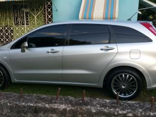 '10 Honda Stream for sale in Jamaica