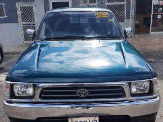 2001 Toyota 2001 tayota hilux for sale in St. Elizabeth, Jamaica