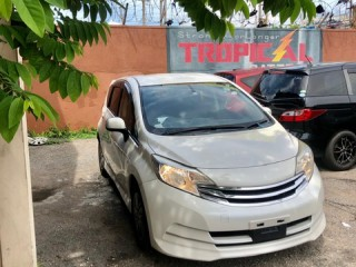 2014 Nissan Note Rider for sale in Kingston / St. Andrew, Jamaica