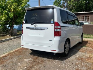 2010 Toyota Noah si for sale in Westmoreland, Jamaica