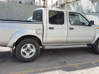 '07 Nissan Pick up for sale in Jamaica