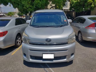 2010 Toyota Voxy for sale in Kingston / St. Andrew, Jamaica
