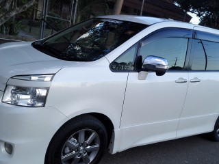 2010 Toyota Voxy zs for sale in Kingston / St. Andrew, Jamaica