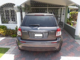 '14 Suzuki SX4 for sale in Jamaica
