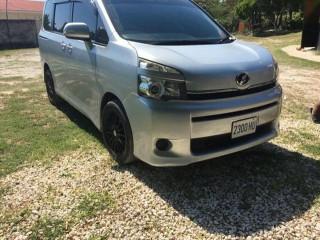 2013 Toyota Voxy for sale in St. Elizabeth, Jamaica