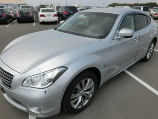 '13 Nissan FUGA for sale in Jamaica