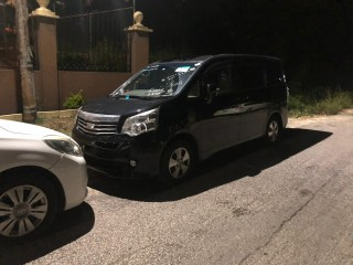 2010 Toyota Noah  G for sale in St. James, Jamaica