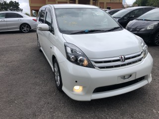 2011 Toyota Isis platana for sale in Manchester, Jamaica