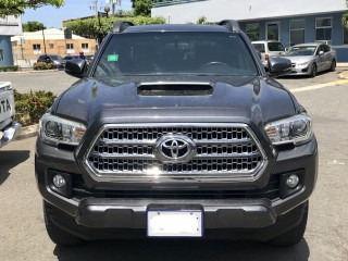 2016 Toyota Tacoma for sale in Kingston / St. Andrew,