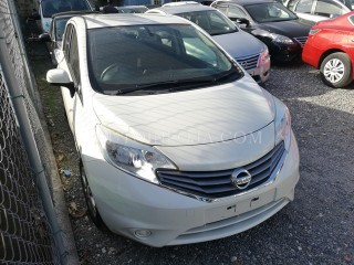 '13 Nissan Note for sale in Jamaica