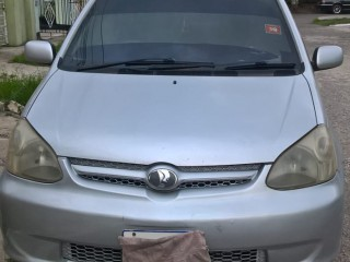 2004 Toyota platz for sale in Kingston / St. Andrew, Jamaica