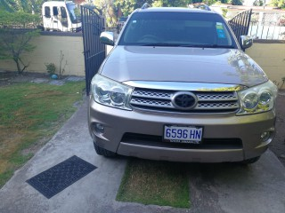 '10 Toyota Fortuner for sale in Jamaica