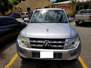'12 Mitsubishi PAJERO for sale in Jamaica