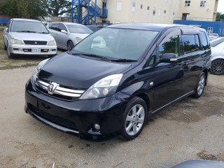 '12 Toyota Isis for sale in Jamaica