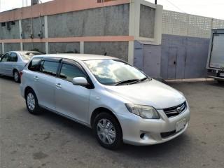 '10 Toyota fielder for sale in Jamaica