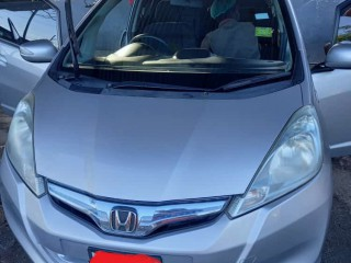 2013 Honda HONDA FIT HYBRID for sale in Kingston / St. Andrew, Jamaica