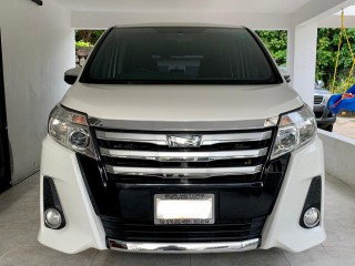 2014 Toyota Noah Si 8 Seater for sale in Kingston / St. Andrew, Jamaica