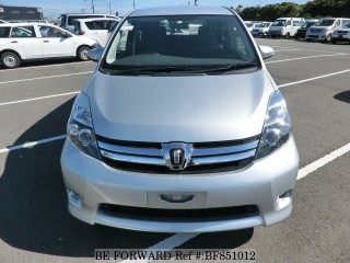 '14 Toyota Isis for sale in Jamaica