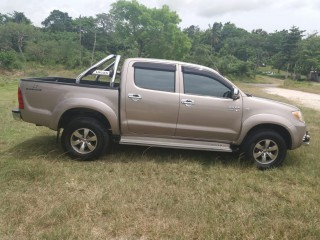 '07 Toyota Hilux for sale in Jamaica