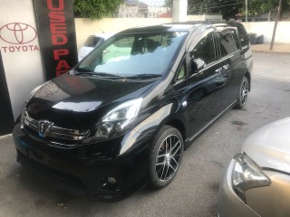 2013 Toyota Isis for sale in Kingston / St. Andrew, Jamaica