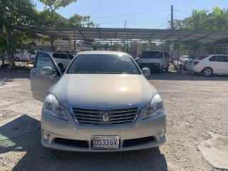 2010 Toyota Royal saloon for sale in Kingston / St. Andrew, Jamaica
