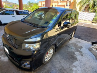2011 Toyota Voxy ZS for sale in Kingston / St. Andrew, Jamaica