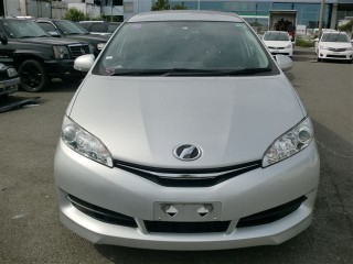 2014 Toyota Wish for sale in Kingston / St. Andrew,