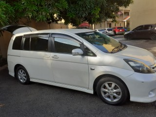 2010 Toyota Isis Platana for sale in Kingston / St. Andrew, Jamaica