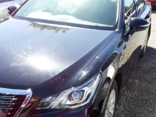 '16 Toyota Crown for sale in Jamaica