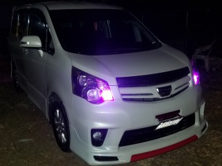 2011 Toyota Noah for sale in Clarendon, Jamaica