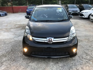 2011 Toyota Isis platana S for sale in Manchester, Jamaica