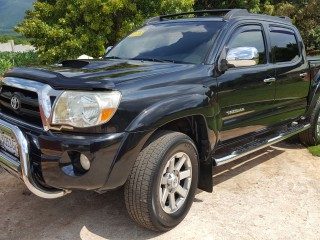 '06 Toyota Tacoma for sale in Jamaica