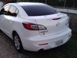 '13 Mazda 3 for sale in Jamaica